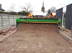 Machinaal aanleggen bestrating